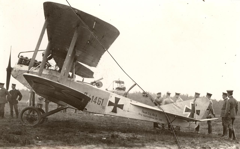 Au sujet des teintes de vernis des avions allemands 1914/1916 180-albatros-c-i-1461-15-fl-abt-8