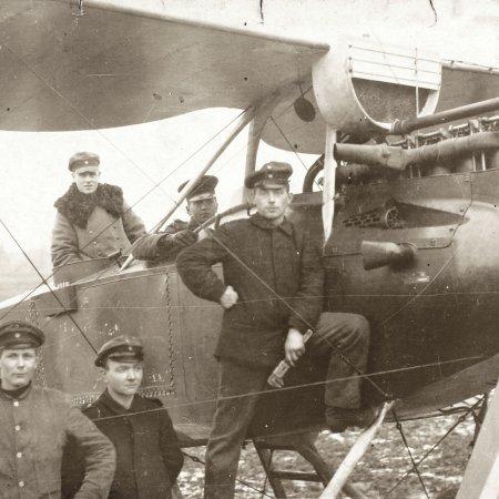 075 Rumpler With Crew