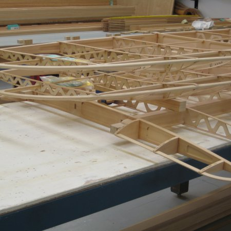 BE 2 C 068 Wing