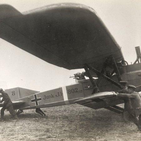 01 Junkers J I 802 17