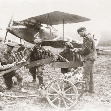 019 Troops Loading Grenade Trays